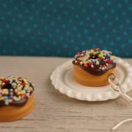 Čokoládové donuty s barevným posypem